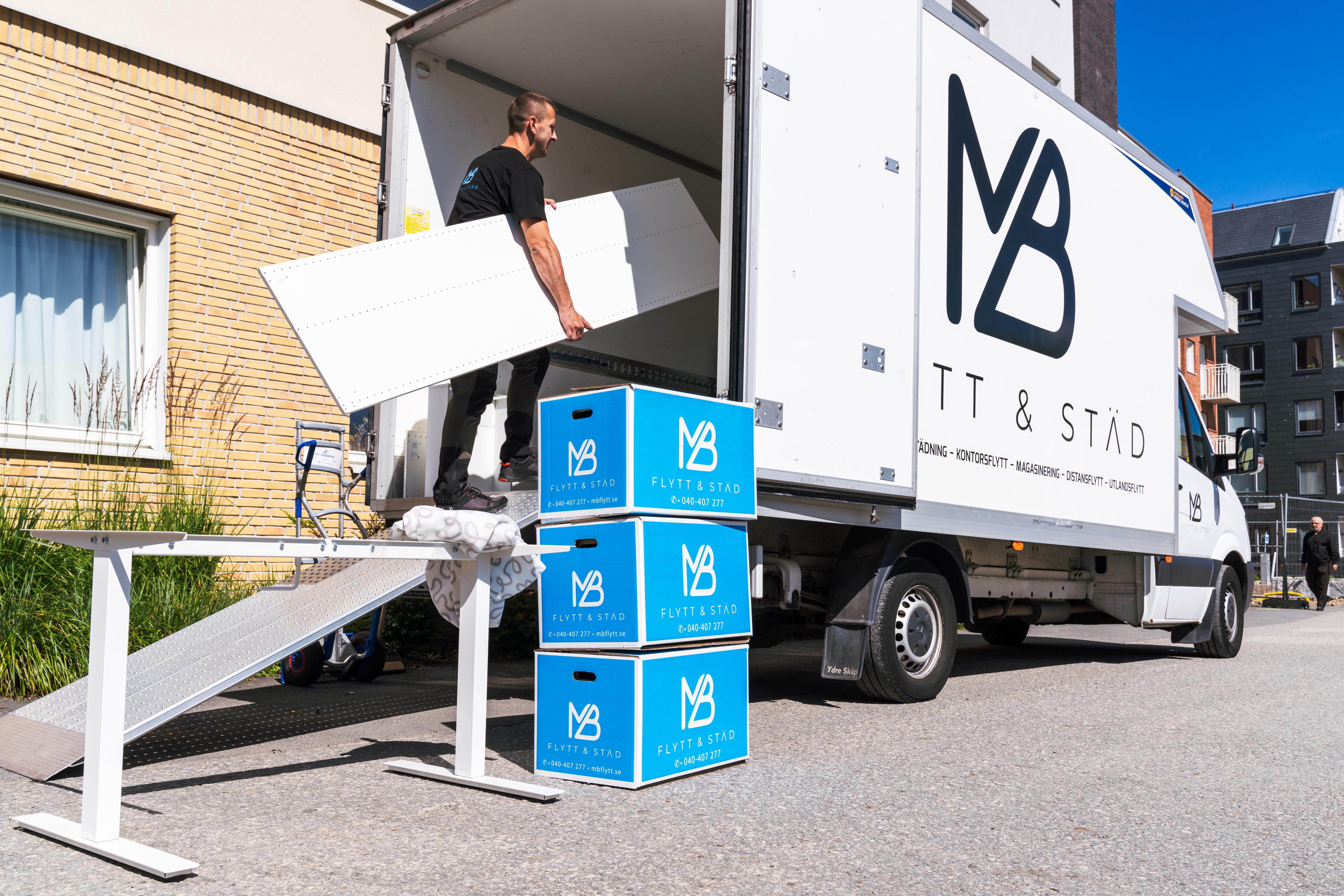 Anledningar att använda MB Flytt och Städ som din flyttfirma i Solna: